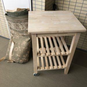 【世田谷区】カーペット、食器棚、衣装ケース、ラックの回収・処分
