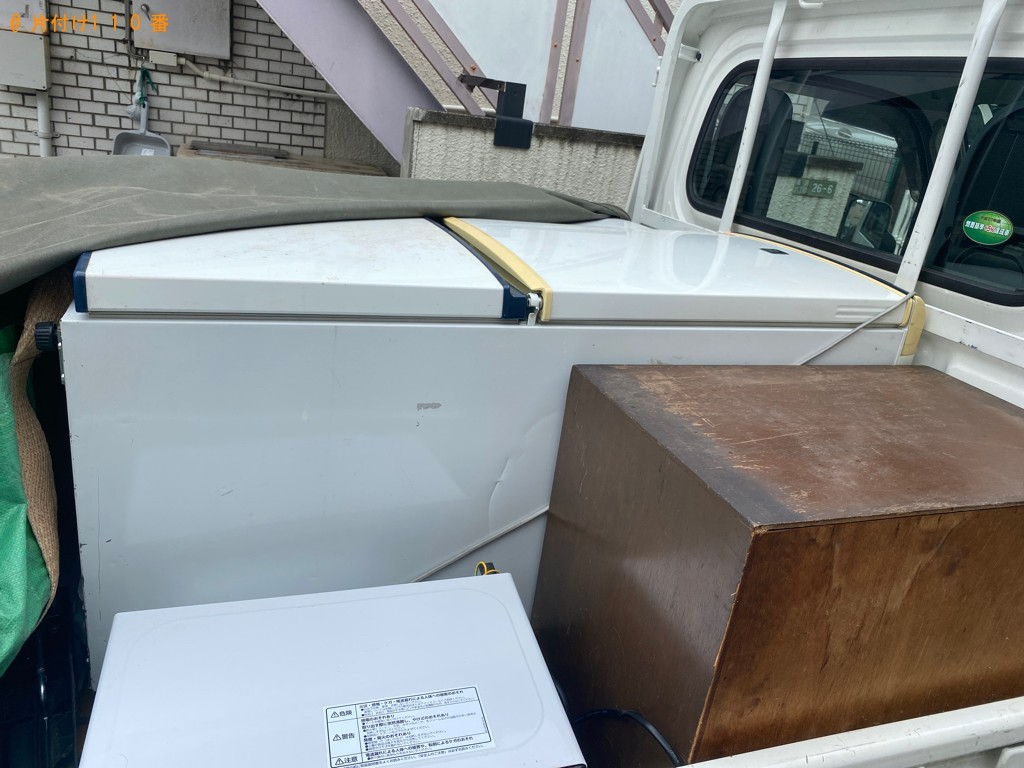 【世田谷区】冷蔵庫、洗濯機、ガラステーブル、布団等の回収・処分
