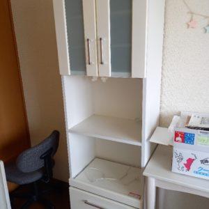 【渋谷区】食器棚、シングルベッドマットレス、椅子、学習机等の回収