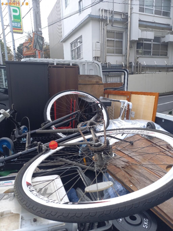 【大田区】遺品整理に伴いスタンドミラー、食器棚、椅子、自転車、布団等の回収
