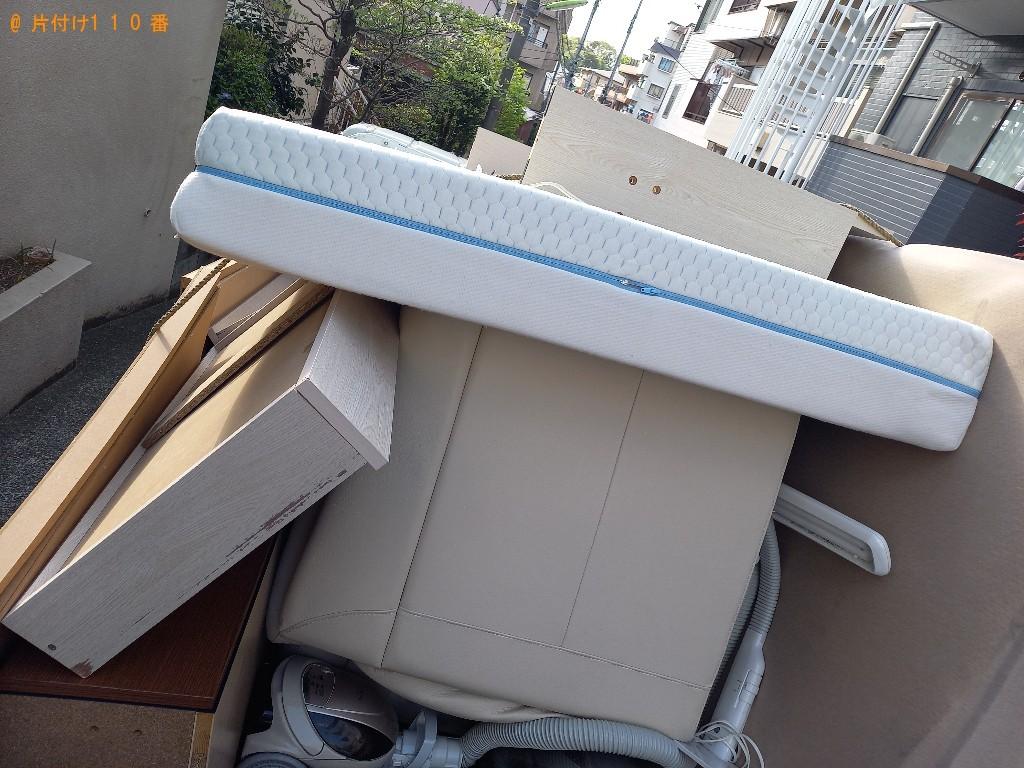 【世田谷区】マットレス付きセセミダブルベッドの回収・処分ご依頼