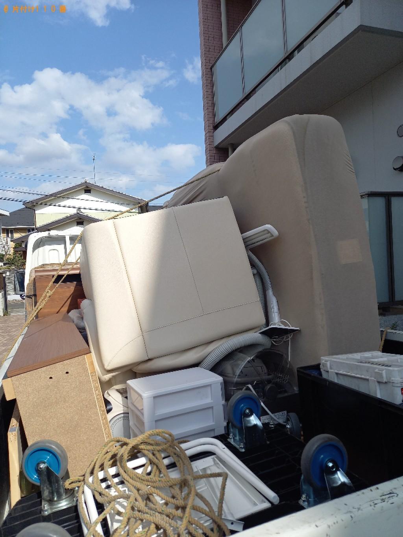 【世田谷区】三人掛けソファー、ベビーカー、掃除機等の回収・処分