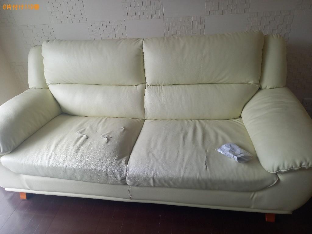【練馬区】テレビ台、二人掛けソファーの回収・処分ご依頼