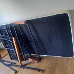 【世田谷区】マットレス付きシングルベッド、洗濯機の回収・処分