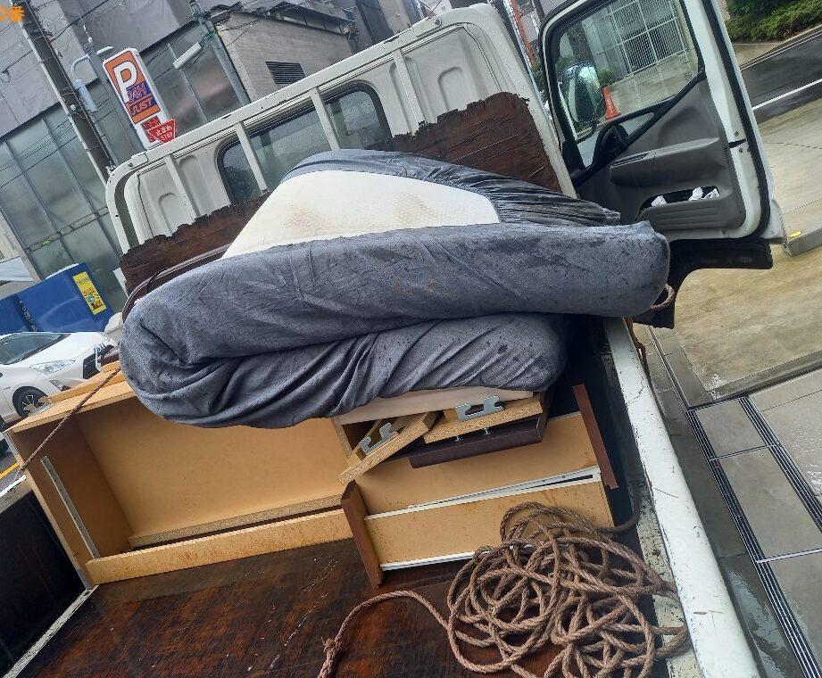 【台東区】マットレス付きシングルベッドの回収・処分ご依頼